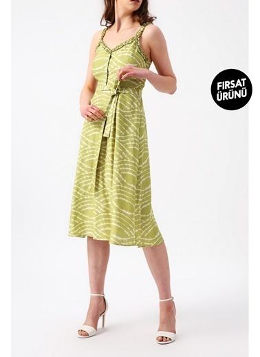 Random Kadın Beli Kuşaklı Yakası Ve Askısı Detaylı Desenli Midi Elbise Yeşil